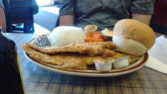 Vicki's Restaurant: Two piece pan fried Haddock dinner