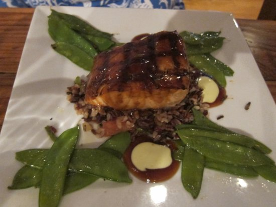 New Canaan, CT: Grilled Salmon at Farmer's Table