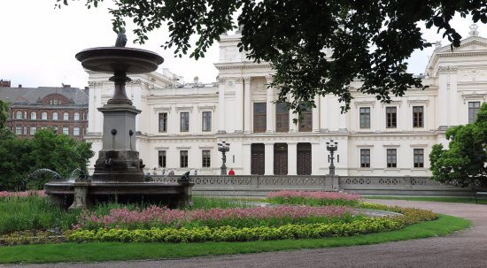 Universitetshuset ligger i Lundagård