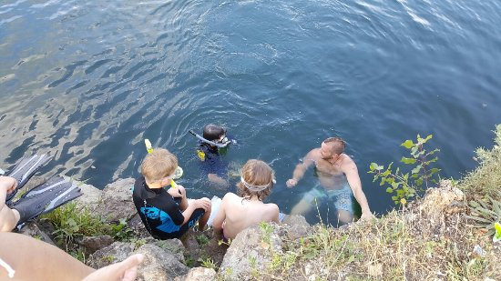 Innerkip, Kanada: Snorkeling and cliff jumping
