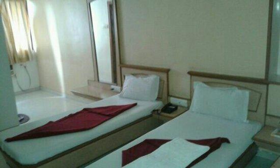 Hotel Jay International