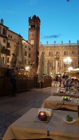 Accademia Hotel: 20160627_214448_large.jpg
