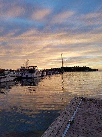 Ashley's Island House: sunset at the pier (down the street)