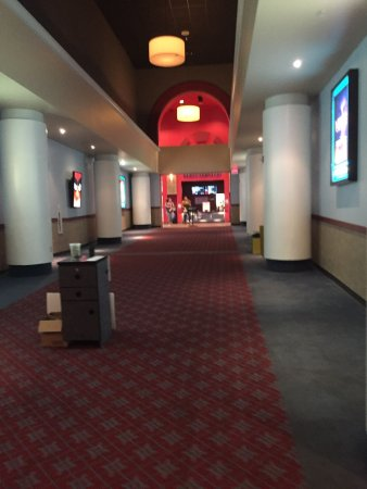 Frank theatres queensgate stadium 13 york all you need for Franks theater york pa