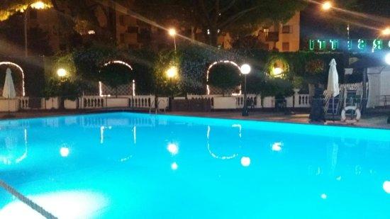 Hotel Shangri La Corsetti