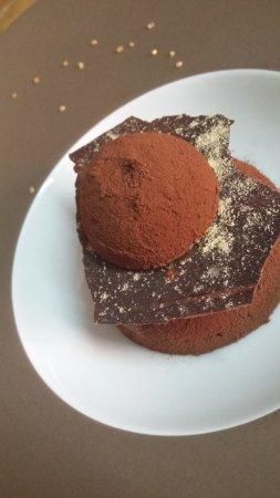 Nailloux, Fransa: Sphère au chocolat