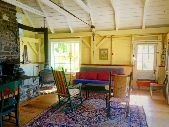 Huntington, VT: Breidablick Cottage at Windekind Farm