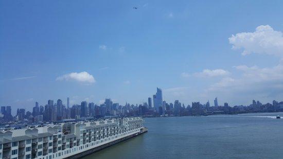 Weehawken, NJ: View from 7th floor panorama room