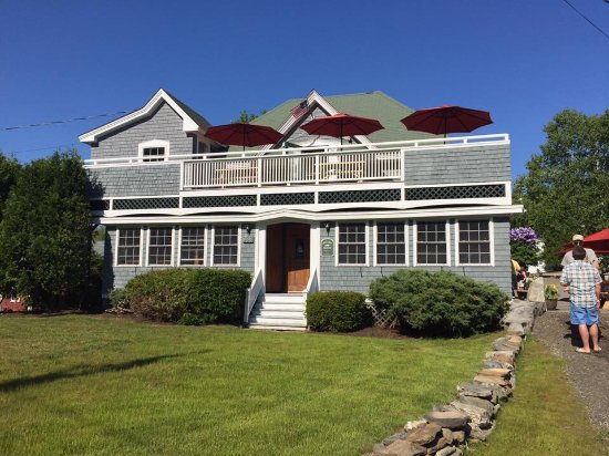 East Boothbay, ME : Carriage House Restaurant