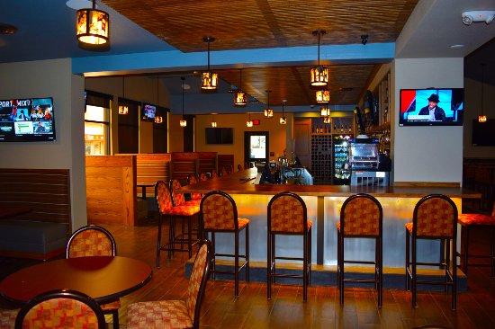 BEST WESTERN Sheridan Center: Sports Bar - Main Street Tavern on premises