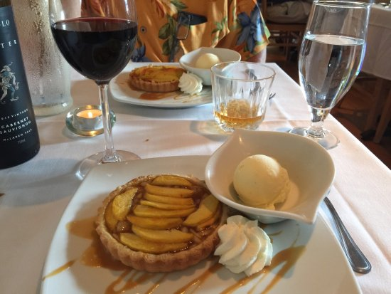 Chesterland, OH: Peach & Almond Crostata with Vanilla Gelato