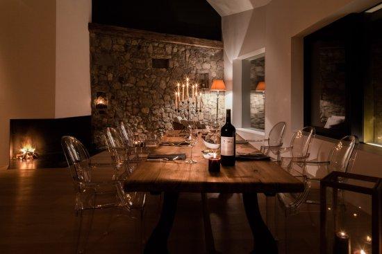 Regensberg, Switzerland: Kronensaal Romantik