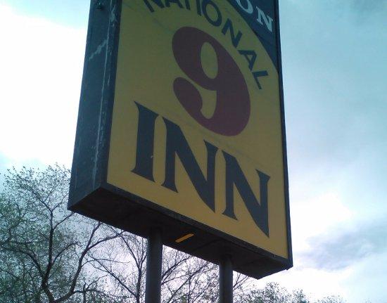 National 9 Inn Sand Canyon Foto