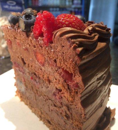 St Mawes, UK: Chocolate & Summer fruit cake