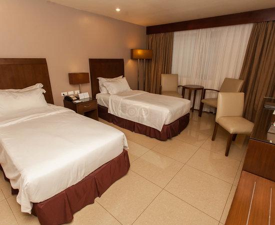 Mandarin plaza hotel 42 5 9 updated 2018 prices - Mandarin hotel cebu swimming pool ...