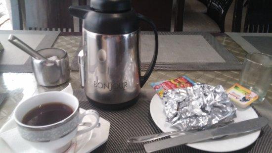 The Grand Hotel: petit (très petit) dejeuner