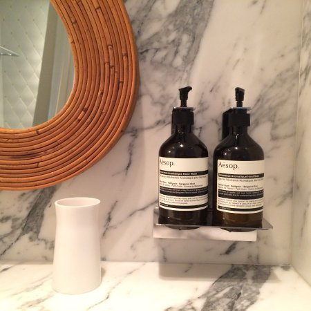 Hotel Thoumieux: Aesop's bathroom products