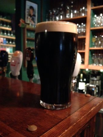 Антигониш, Канада: Terry's Dry Irish Stout, brewed & cask-conditioned on site.