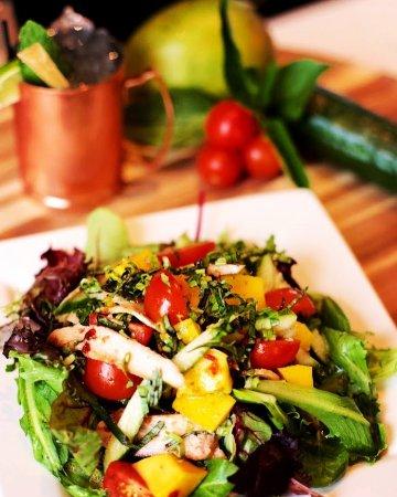 Shorewood, IL: Chicken Mango Salad