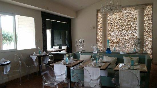 Asclepios Wellness & Healing Retreat: The restaurant