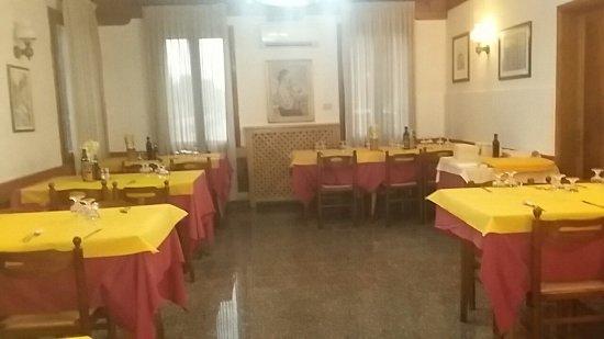 Santa Maria di Sala, Italien: TA_IMG_20160709_210225_large.jpg
