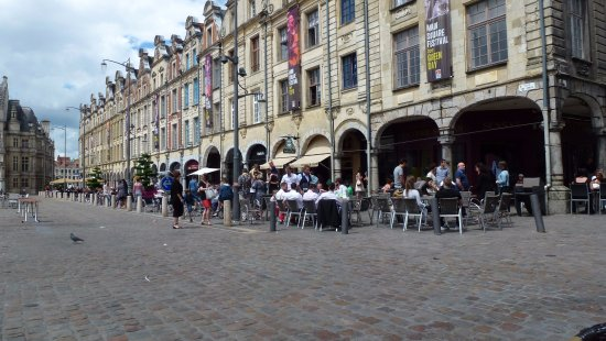 Arras, Francia: Pavement Cafes