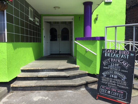 Eccles, UK: Nur Muhammad Community Cafe