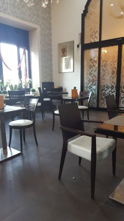 Delices: Dinning area