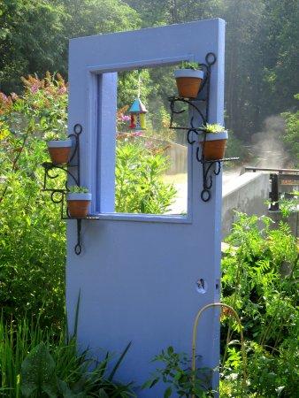 Lake Lure, NC: A pot stand
