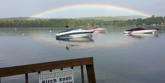 Birch Knoll Motel: Rainbow, and serene setting!