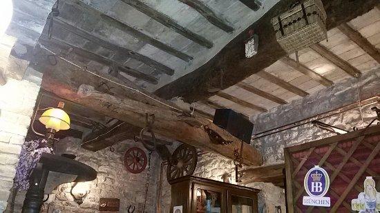 Pieve Torina, Italia: Pievetorina Saloon