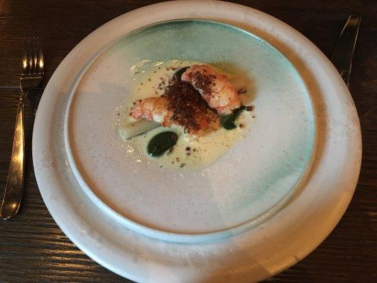 Restaurant Fauna: 非常好的餐厅,菜品味道都不错,值得推荐…可惜的是,因为主厨即将离去,这家奥斯陆为数不多的米其林星级餐厅其中之一的FAUNA即将结业…