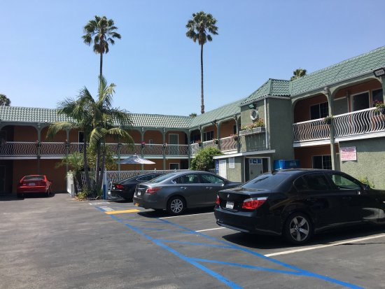 Rodeway Inn Hollywood: Estacionamientos