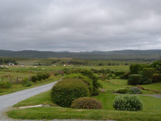 Westwards: Mooi uitzicht vanuit de lounge en de voorste kamer