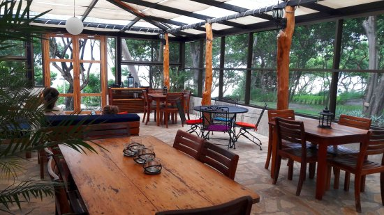 Playa Santo Domingo, Nicaragua: Fully screened restaurant and bar area