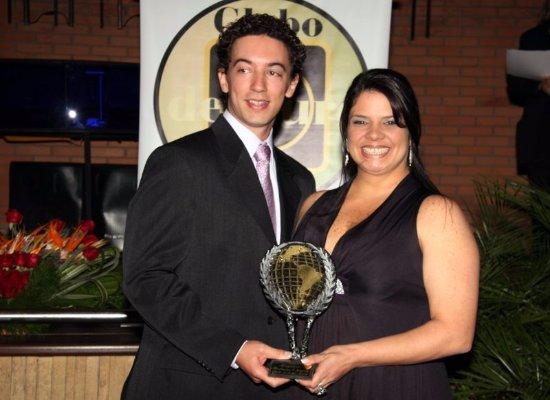 Gravatai, RS: No momento que recebemos o troféu no Snack Club