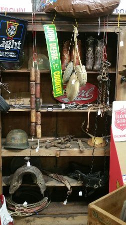 Giddings, Техас: Whistle-Stop Antiques