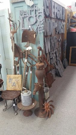 Giddings, TX: Whistle-Stop Antiques
