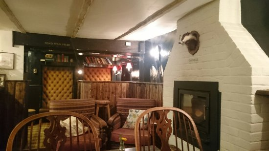 Piddlehinton, UK: The Thimble Inn