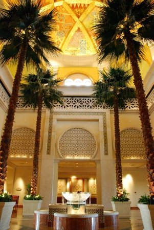 The Palace at One&Only Royal Mirage Dubai: Inside hotel lobby