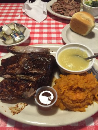 Blasdell, NY: 1/4 chicken, 1/4 ribs mashed sweet potatoe with honey and applesauce drink menu