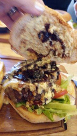 Gamla Kaupfelagid: Burger inside