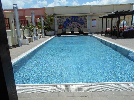 Pool - Saratoga Hotel Photo