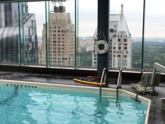 Nyc Hotel With Pool In Room