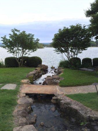 Lookout Point Lakeside Inn: photo3.jpg