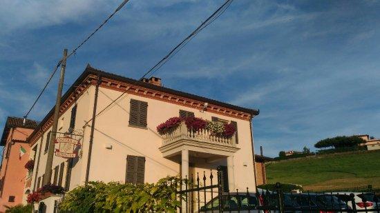 Montemagno, Ιταλία: P_20160706_201801_large.jpg