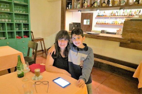 Don Puerto Bemberg Lodge: Sobremesa con Simón en Puerto Bemberg lodge