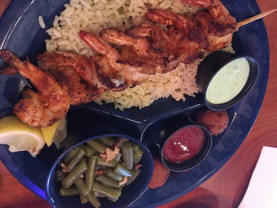 Leander, تكساس: Grilled Shrimp with Cajun Seasoning and Jalapeño Tartar Sauce
