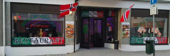 Bella Napoli Restaurant, Cafe & Bar