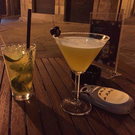 VAOVÁ Mixolo-Gin Bar